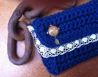 Crochet iPhone case - handmade crochet pouch -  iPhone pouch - blue cosmetic bag - travel bag - vanity bag - bag for her - pressed flower