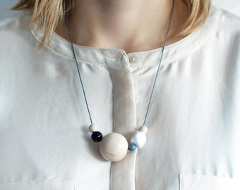 PERLY POP neutral: geometric statement necklace with wooden beads, handmade necklace made of wood in natural tones