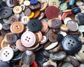 5 oz. Natural Button Mix 5 to 30mm 150 to 200 Buttons Large Lot