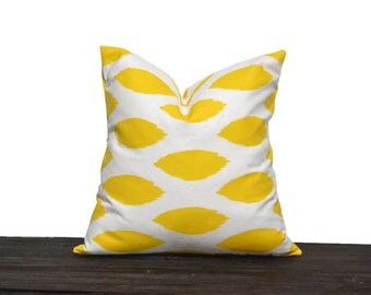 "18"" Yellow and White Throw Pillow Cover 18 x 18 inch Ikat Yellow/White"