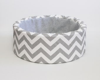 "Grey and White Chevron 14"" Cat Bed, Self Warming"