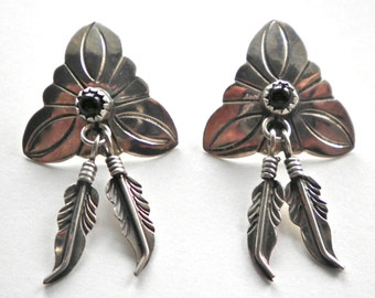 Navajo Artisan W. BEGAY vintage Native American Silver & Onyx Feather Earrings Signed