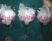 personalized wine glasses, great for wedding gifts