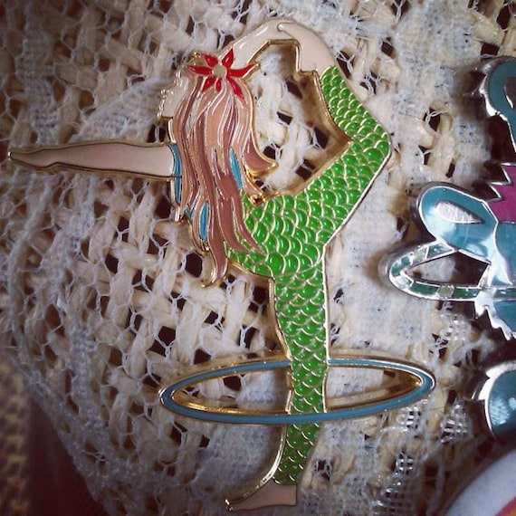 Shop Mama Mermaid Mermaid Hula Hoop Mama Hat Pin