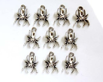 10 Antique Silver Spider Charms - 30-10