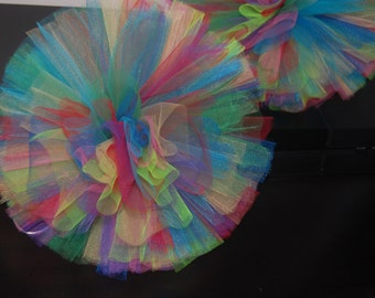 "One L 12"" Tulle Pom"
