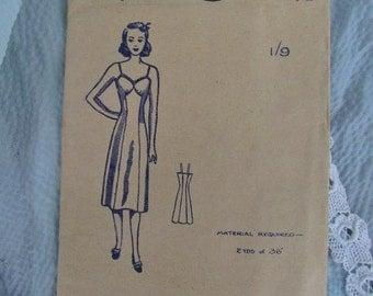 Size 32 Inch Half-Slip Paulette Lingerie Pattern No 278