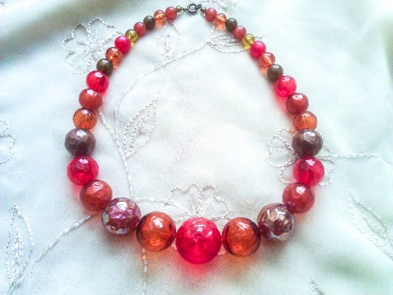 Vintage Plastic Beaded Single Strand Necklace in Red orange and brown Colors
