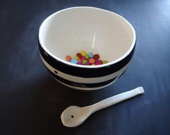 Black and white stripe stoneware serving bowl