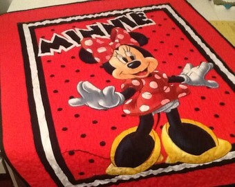 Minnie Mouse Toddler Quilt