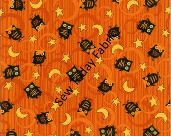 Scaredy Cats Owls Over the Moon Orange - Wilmington Prints Q1862-67511-895 (sold by the 1/2 yard)