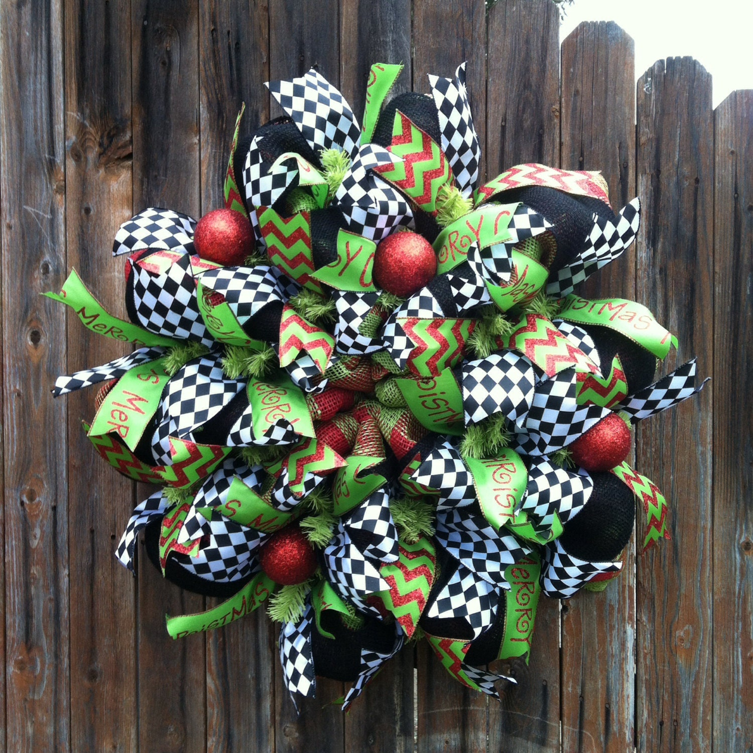 Deco mesh christmas wreath red green black and white holiday for Deco christmas decorations