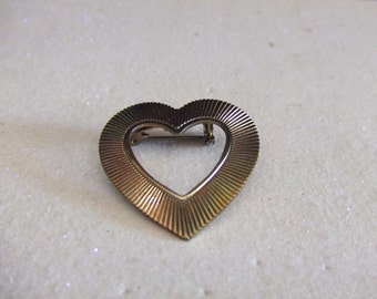 Vintage Brass Heart Brooch/Pin