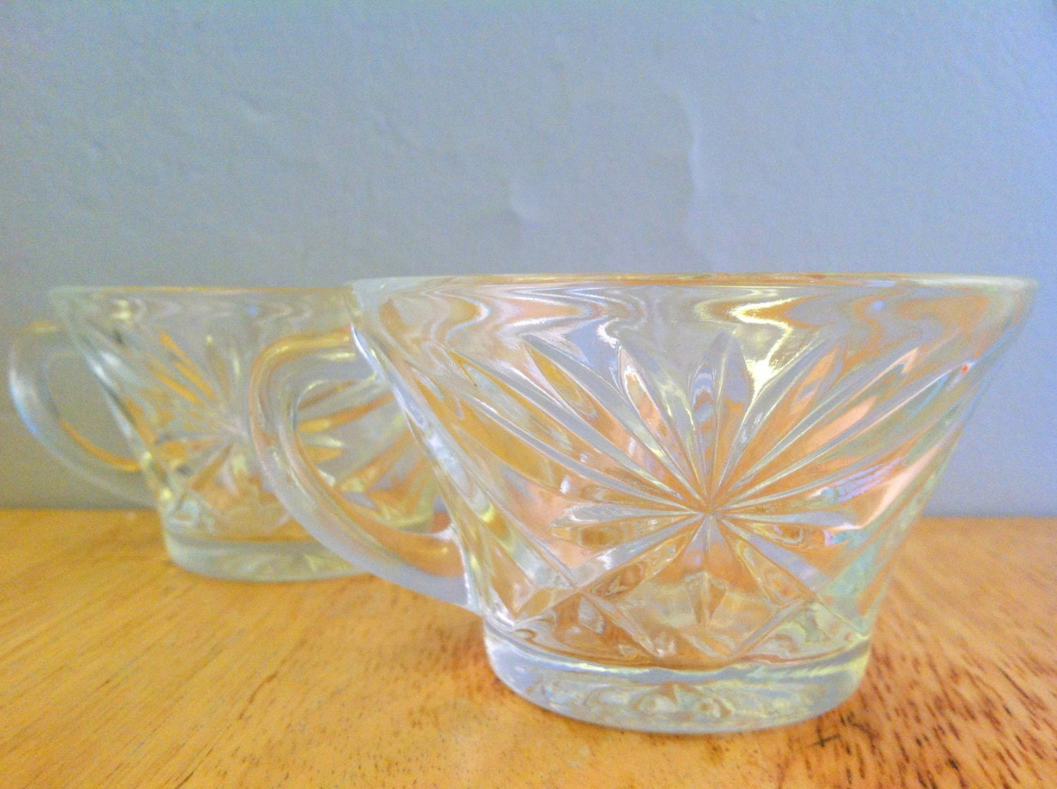 Midcentury punch glasses starburst glass mugs - Starburst glassware ...