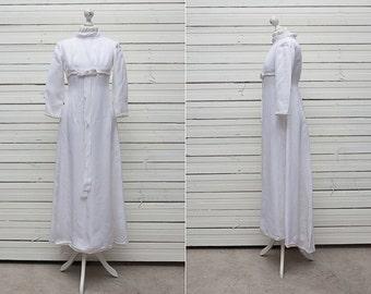 Vintage Empire Waist Wedding Gown / 1960's Cream Wedding Empire Dress Choker Neckline and Long Sleeves / Size 38 / Medium Size Formal Gown