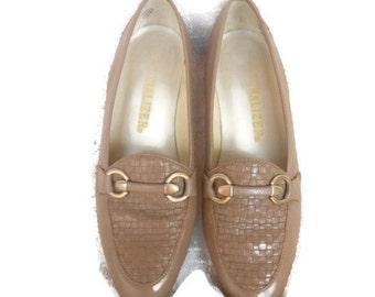 80s Vintage Shoes Taupe Loafers Basket Weave Supple Leather Horsebit 6.5 N