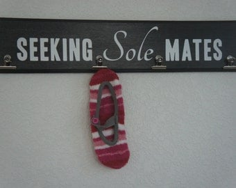 Laundry sign plaque - Seeking Sole Mates Sock hold with clips attached - gift for Xmas, new home or new decor.