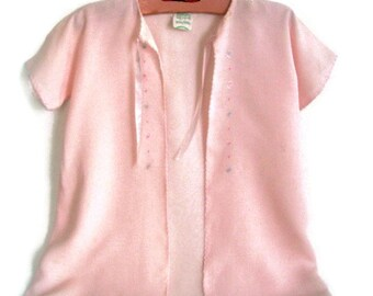 Vintage Baby Pink Silk Kimono with Delicate Embroidery 1950's