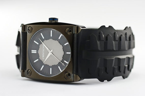 Sons of Anarchy / Mayans MC style - Motorcycle TREAD wristwatch - Tread w/ Polished Black colored case