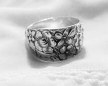 Beautiful Detailed Sterling Silverware Ring