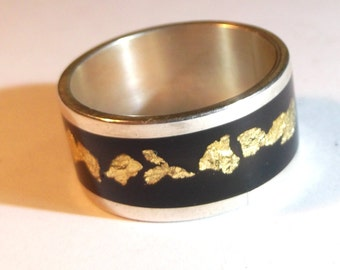 Silver 925 ring with resine and gold flakes