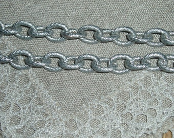 Textured Cable Chain11 x 9mm, Silver Colour