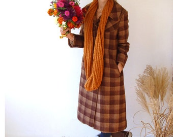 Vintage winter coat, Soviet women coat from 60s , size S/M  plaid brown