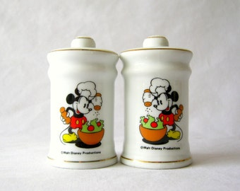 vintage mickey mouse salt and pepper