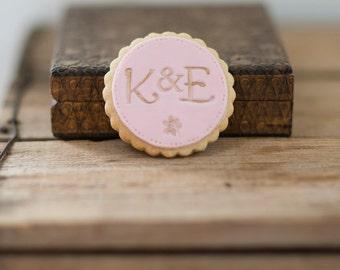 Monogram cookies, biscuits for wedding, wedding gift, wedding monogram, wedding cookies, biscuit favours, monogram gift