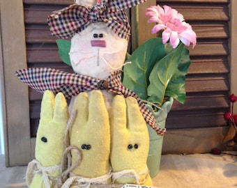 "Primitive Old Hare Easter Bunny Rabbit with Peeps ""Hanging with my PEEPS"" Shelf Sitter Decoration"