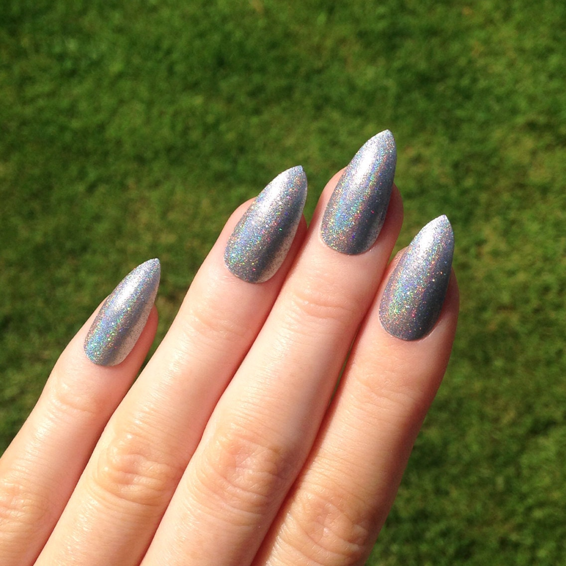 Silver glitter acrylic nails tumblr – Great photo blog about ...