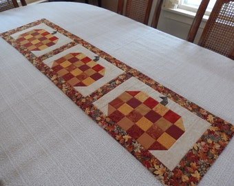 Patchwork Pumpkins Table Runner