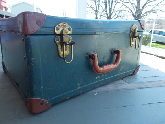 Travel Trunk Suitcase Dutchmaid Bakelite Handle Metal Suitcase Ancient of Daze