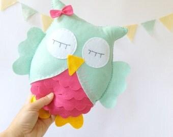 Owl Stuffed Toy, Mint and hot pink,Felt owl decor, Nursery decor, Baby nursery decor, Kids art, Kids room decor, personalized gift, custom n