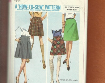 """1967 Simplicity 7216 Inverted Pleated & """"A"""" Line Skirts in Street and Mini Lengths British Invasion Must Size 12"""