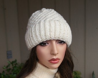 Slouchy beanie hat  - Ivory- knit - women - teen - accessories - Wool Woolen- Chunky Knit