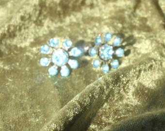 Vintage Turquiose Glass Earings