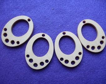4 pendant, wood, 5 x 3.7 cm  (05-0004A)