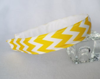 "Yellow and White Chevron 7/8"" Wide Hairband"