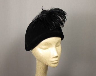 20's or 30's  Italian Black Velvet Cloche Hat with Black feather Plume
