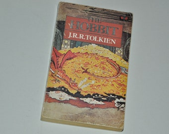 1985 The Hobbit by J.R.R. Tolkien LOTR Middle Earth Paperback Book