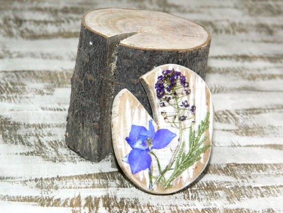 Wooden Brooch-Flower Brooch-Mother's day gift-Dry Real Flower's Pin-wooden brooch-driftwood pin-shabby chic brooch-Blue floral pin