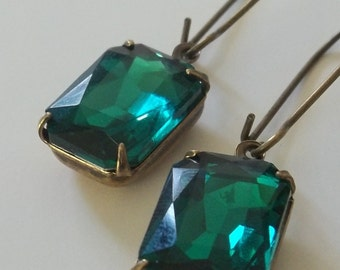 Emerald Green Earring