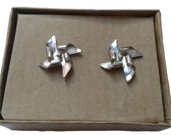 silver pin wheels ear studs