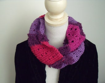 Openwork scarf in pink (150 x 13 cm)