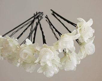 Cream Rose Hair Pins, Silk Bridal Clips, Bridesmaid Hair Pins Boho Bobby Pins, Small Wedding Clips, Cream Bridal Clips, Rose Bobby Pins,
