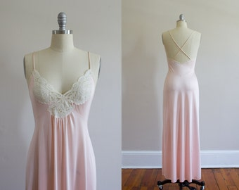 Vintage 1970's Pink Nightgown / Size Small