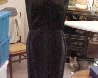 1950s Black Silk Formal, V Neck, Large, Label: Jean's (of Provience) #2204