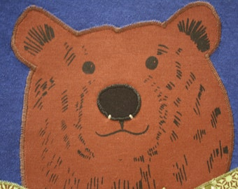 Hey Bear! One of a Kind appliqué and screen printed t-shirt.