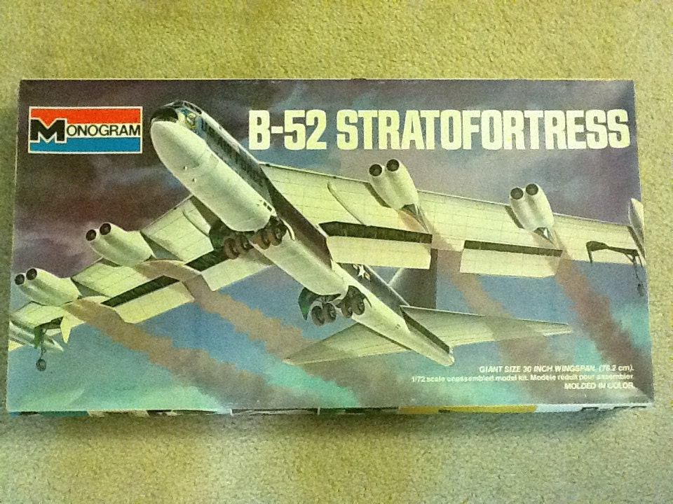 Vintage 1 72 Scale B 52 Bomber Plastic Model Kit